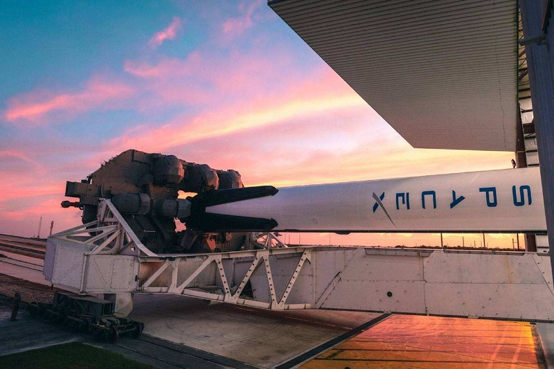 SpaceX2020年首次发射初定1月6日;华为首个智能无人售货店开业