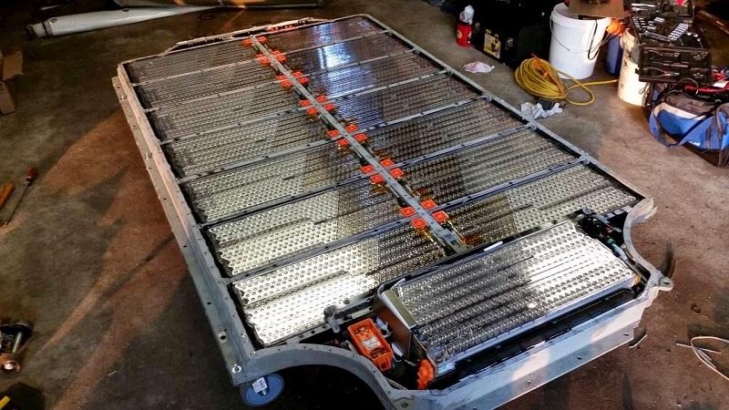 特斯拉正秘密研发汽车锂电池,减少对松下的依赖