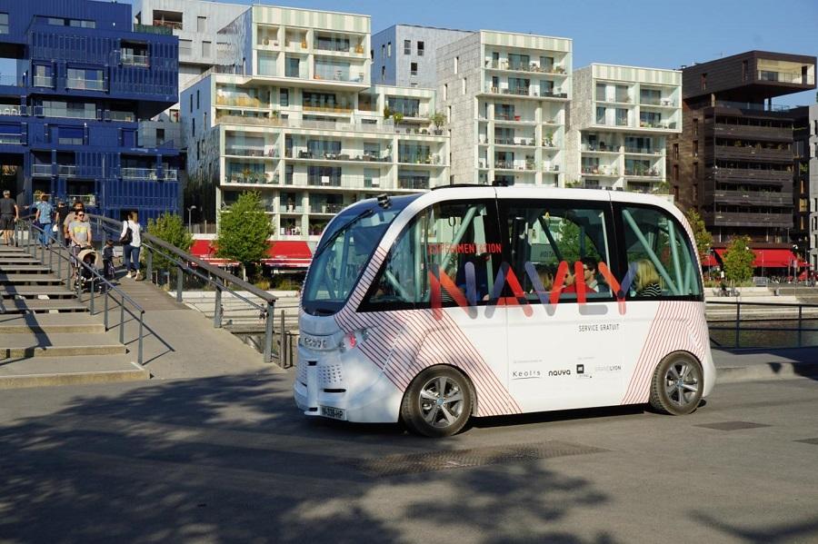 欧洲自动驾驶小巴撞伤行人,试运营项目被暂停