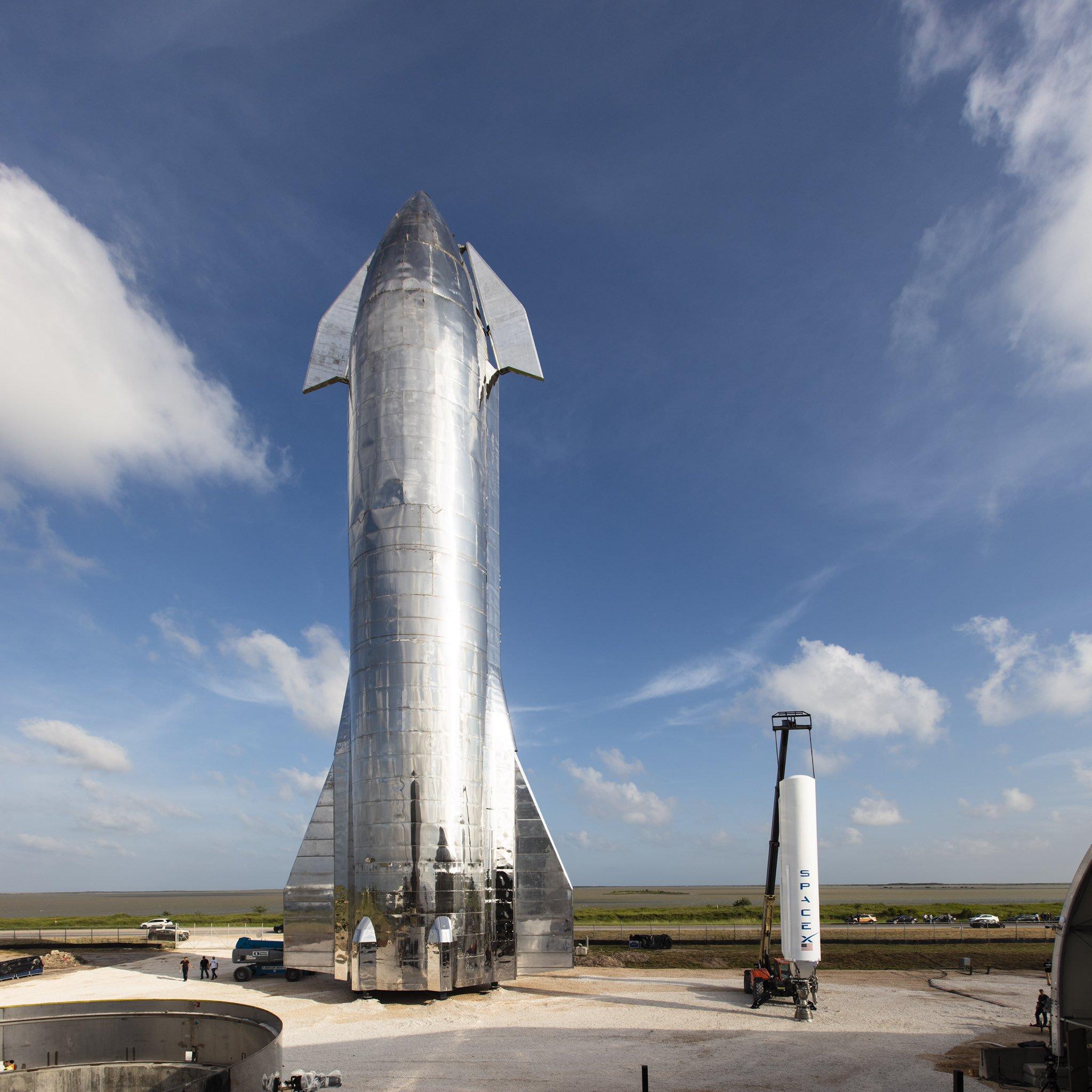 高118米,直径达9米,人类最强大的星际飞船来了,还有月球基地和火星城市