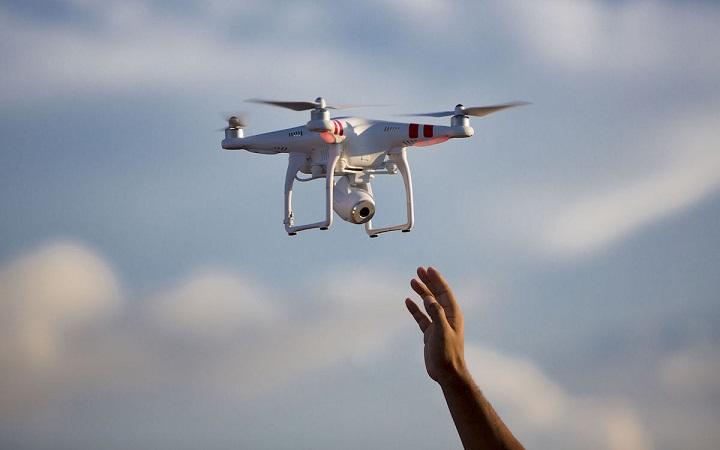 "FPV沉浸式体验、一场比赛收入逾4亿美元,""空中F1""为消费级无人机创造新的高光时刻"