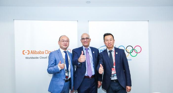 華為母公司前三季度實現營收6033億元;消息稱阿里巴巴最早將在11月在香港上市