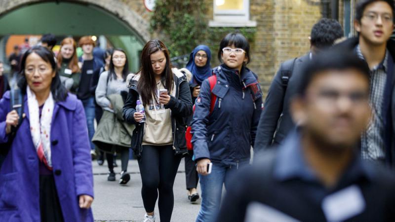 """《【天富公司】""""钳制""""进一步升级,从华为到实体清单,现在指向了留美中国学生,禁止参与OPT》"""