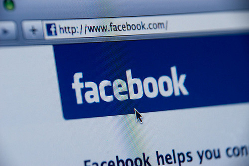 Facebook称或将停止在欧洲运营;索尼暂停向华为共影响及CMOS