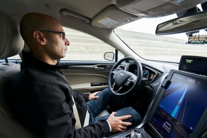Intel为旗下自动驾驶汽车公司Mobileye开发视觉系统关键芯片