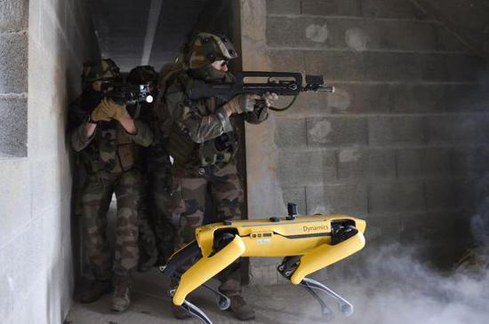 机器狗Spot参加军事演习,波士顿回应:我们刚知道