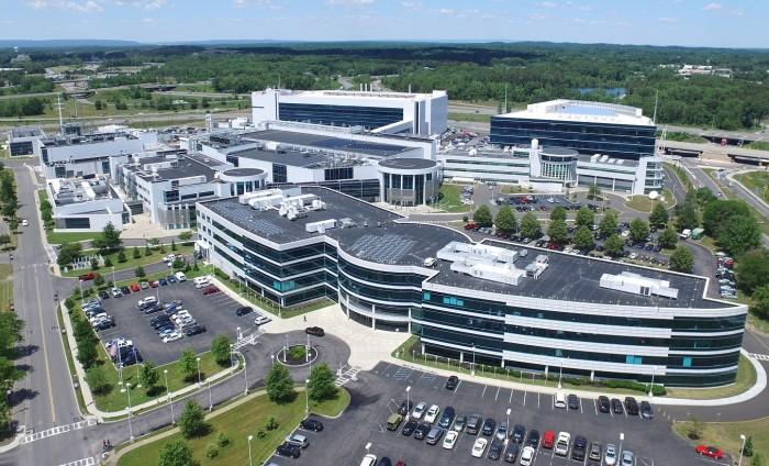 再次突破半导体极限,IBM抢先首次推出2nm工艺芯片