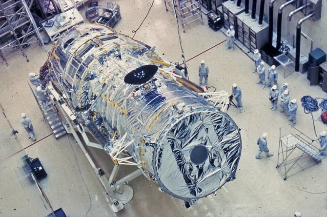 """惊险死里逃生!31岁高龄哈勃望远镜从昏迷中""""苏醒"""",原因竟是因为这"""
